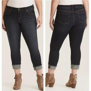 Torrid dark wash boyfriend skinny jeans size 24